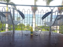Hotel photo: Cozy Oasis by the Sea - Ocean Front