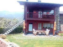 Hotel photo: casa de 3 habitaciones en lerida, con jardín amueblado y wifi - a 25 km de la...