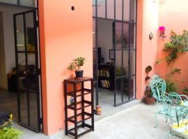 A picture of the hotel: Casa hermosa en Colegiales