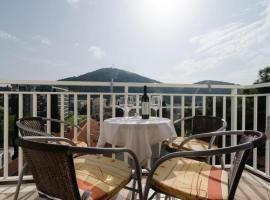 Hotel photo: villa mar - two-bedroom apartment with balcony
