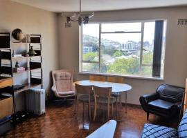 호텔 사진: Central 1 Bedroom Apartment in Gardens