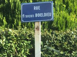 Hotel Photo: 5 Rue François Boieldieu