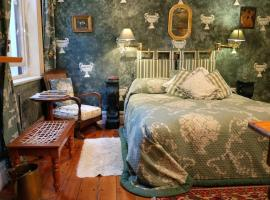 Hotel photo: Jambo Guest House Green Room in Green Point