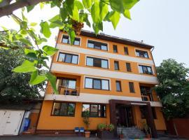 Hotel near Târgu Jiu