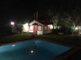 Foto do Hotel: Lisbon Cozy House w/Garden and Pool