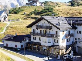 Hotel Photo: Hotel Alpenrose