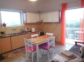 Hotel Foto: Spacious 1st floor apartment within a Detached house