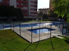 A picture of the hotel: Apartamento 7 personas con piscina