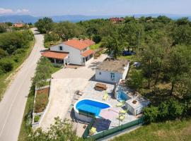 Hotel photo: Relaxing holiday house with pool