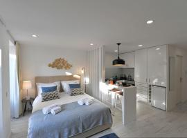 Hotel photo: 677 flh oporto wine cellars luxury apartment i