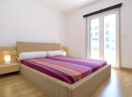 Fotos de Hotel: 213 flh restelo spacious duplex with view