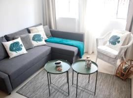 Hotel photo: apartment with 2 bedrooms in sesimbra, with wifi - 100 m from the beach