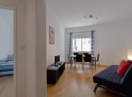Hotel kuvat: 16 flh large and cosy apartment in lapa
