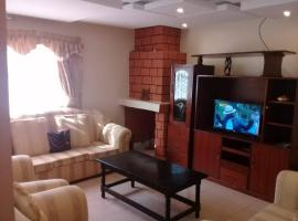Hotel Photo: Ruth Gardens Home Stay