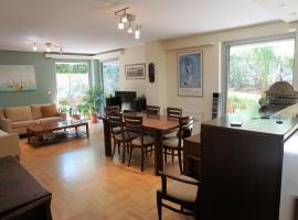 Hotel photo: Lovely home for 6 at Paleo Faliro