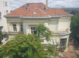 A picture of the hotel: Sunny Villa apartment at Hero's Square