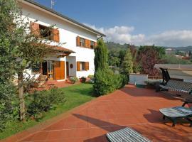 Hotel photo: Montecatini Terme Villa Sleeps 10 Pool WiFi