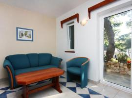 Hotel photo: Lokva Rogoznica Apartment Sleeps 4 Air Con T461761