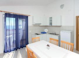 Hotel photo: Seget Vranjica Apartment Sleeps 5 Air Con T463493