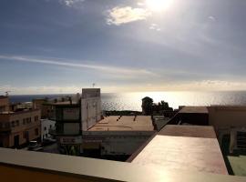 Hotel Photo: Ático Tazacorte - Amplia terraza con vistas al mar