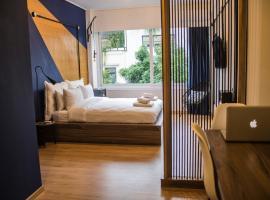 A picture of the hotel: MÔSS - Monastiraki Square Suite