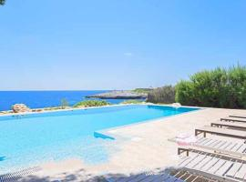 Hotel Photo: Cala d'Or Villa Sleeps 11 Pool