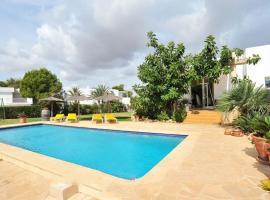 Hotel photo: Cala d'Or Villa Sleeps 8 Pool