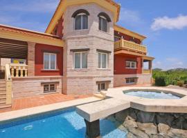 Hotel photo: Calpe Villa Sleeps 8 Pool WiFi