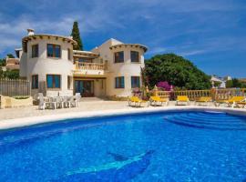 Hotel photo: Moraira Villa Sleeps 10 Pool WiFi