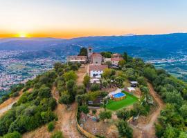 Hotel photo: Grotta Giusti Villa Sleeps 14 Pool WiFi