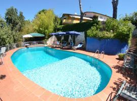 Hotel photo: Coli Villa Sleeps 8 Pool WiFi