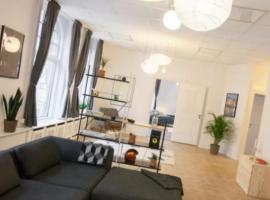 A picture of the hotel: Top central Apartment