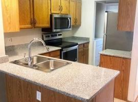 Hotel photo: Cozy 2 Bed Townhome | Littleton