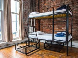 A picture of the hotel: The Cambie Hostel Gastown