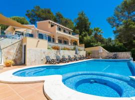 Hotel fotografie: Son Bou Villa Sleeps 8 Pool Air Con WiFi