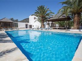 Hotel photo: Colonia de Sant Jordi Villa Sleeps 12 Pool WiFi