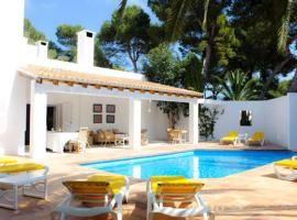 Hotel Photo: Cala d'Or Villa Sleeps 12 Pool Air Con WiFi