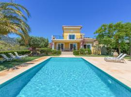 Hotel photo: Calpe Villa Sleeps 10 Pool Air Con WiFi