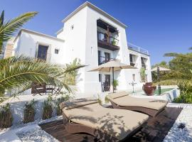 Hotel Foto: Sant Miquel de Balansat Villa Sleeps 16 Pool WiFi