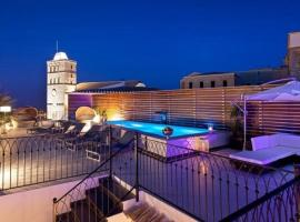 Hotel photo: Ibiza Town Villa Sleeps 10 Pool
