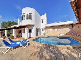 Hotel photo: Portopetro Villa Sleeps 6 Pool Air Con WiFi