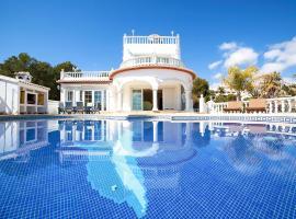 Hotel photo: La Fustera Villa Sleeps 8 Pool Air Con WiFi