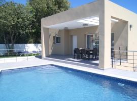 Hotel photo: Beniarbeig Villa Sleeps 4 Pool WiFi