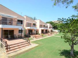 Hotel photo: Relax and enjoy the great amenities offered at the Makwetu Villas