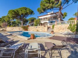 Hotel photo: Llorenc del Penedes Villa Sleeps 10 Pool