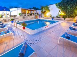 Hotel fotografie: Sant Rafel de Forca Villa Sleeps 12 Air Con WiFi