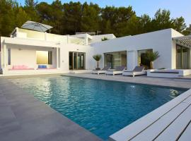 Hotelfotos: Cala Tarida Villa Sleeps 12 Pool Air Con WiFi