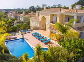 Hotel photo: Vale do Garrao Villa Sleeps 14 Pool Air Con WiFi
