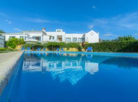 Hotel photo: Areia Villa Sleeps 6 Air Con WiFi T574458