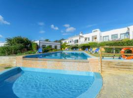 Hotel photo: Areia Villa Sleeps 6 Air Con WiFi